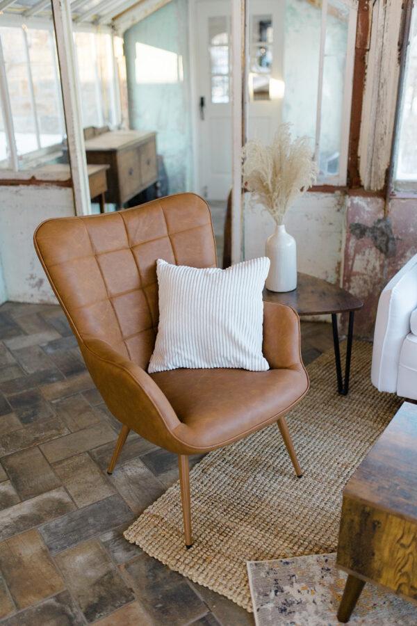 Closeup Lounge Rental Photo